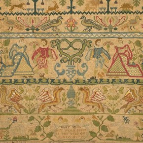 Linen sampler embroidered with silk, by Mary Smith, England, 1729. Museum no. T.291-1916
