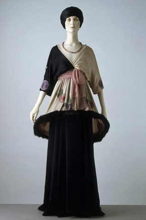 Sorbet, a skirt and tunic, Paul Poiret, 1912. Museum no. T.385