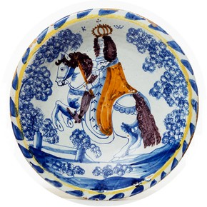 Dish depicting William III, about 1689-1705. Museum no. 3871-1901