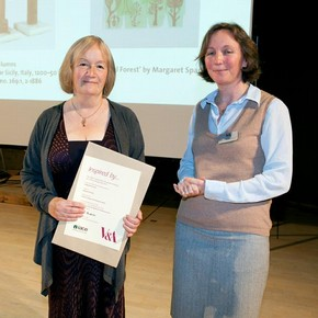 Margaret Sparks receiving her Inspired by the Medieval and Renaissance prize from curator Kirstin Kennedy
