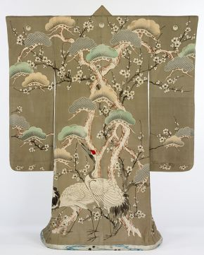 Kimono, Japan, 1850-1900. Museum no. T.389-1910, © Victoria and Albert Museum, London