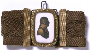 Silhouette of an unknown man, set in a bracelet made of woven hair, John Field, about 1810. Museum no. P.169-1922, © Victoria and Albert Museum, London