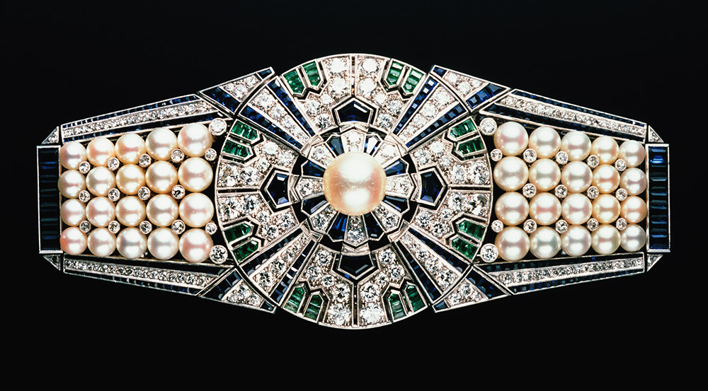 Pearls About The Exhibition Victoria And Albert Museum