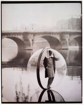Melvin Sokolsky, Simone wears fashion by Venet, River Seine, Paris, American Harper's Bazaar, March 1963, © Melvin Sokolsky/Victoria and Albert Museum, London