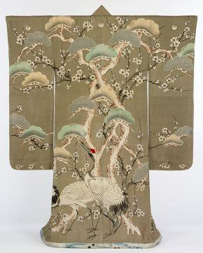 Exemple de kimono avec délicats motifs de grues (Victoria and Albert Museum - Londres)