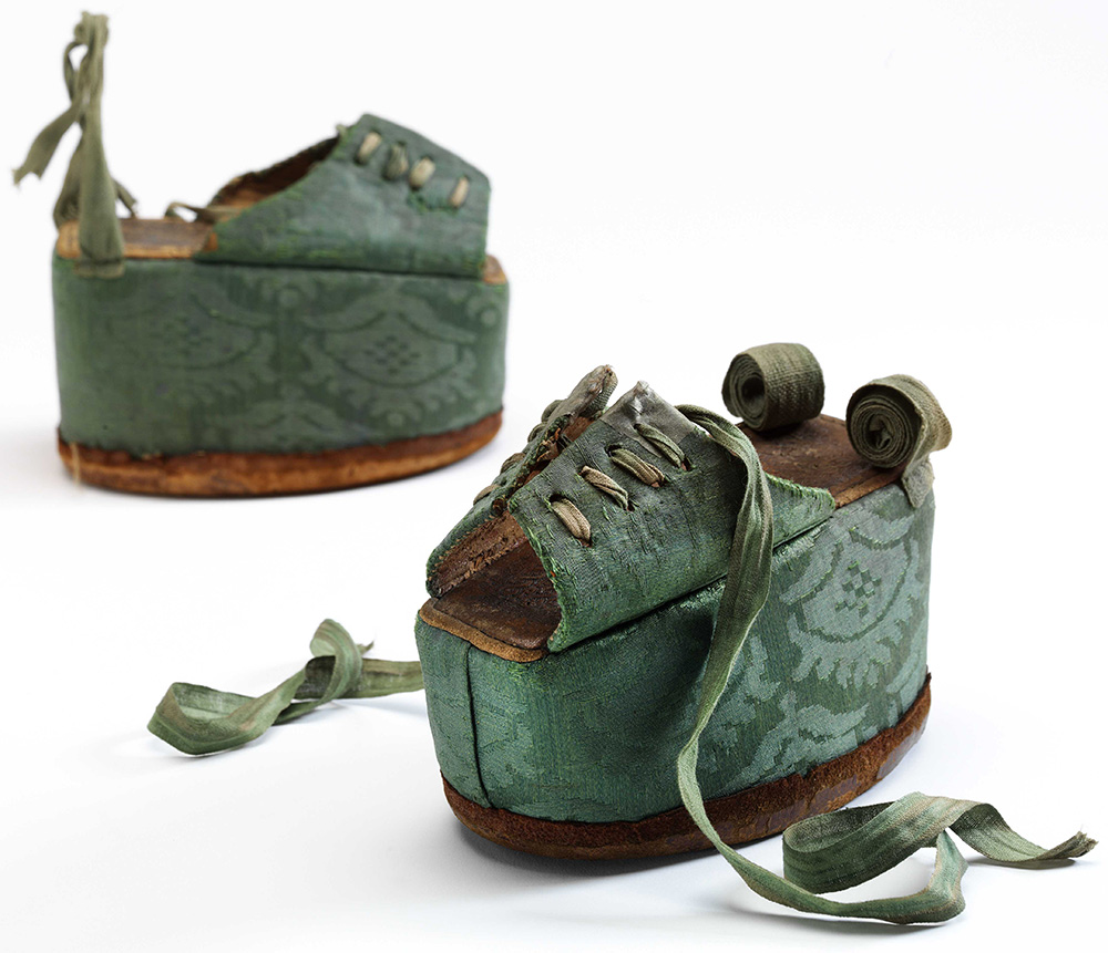 Shoes: Pleasure and Pain - About the Exhibition