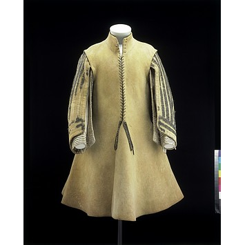 English leather buff coat, 1640-1650, t.34-1948. Victoria and Albert Museum, London.