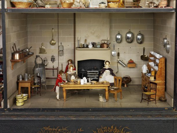 Kitchen of the Killer Cabinet Dolls' House, W.15-1936 (c) V&A Museum, London