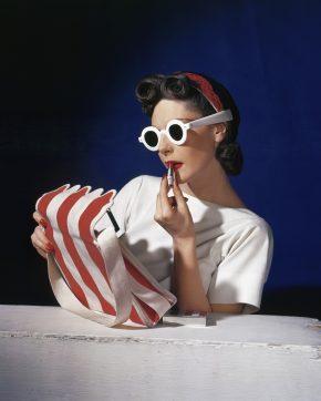 Muriel Maxwell, American Vogue, 1939 © Condé Nast/ Horst Estate