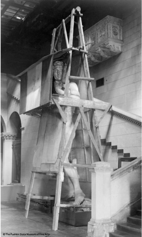 Guest Post: Plaster cast of Michelangelo's 'David' in the Pushkin