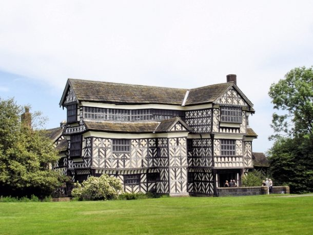 Little Moreton Hall, Cheshire, photograph by Mike Harris. CC-BY-SA-2.0