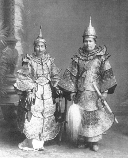 Illustration 5. The prince of Yawnghwe with the mahadevi photographed in Burmese tribute dress at the studio of the photographer Philip Klier, Rangoon, about 1900. Image courtesy of Dr Susan Conway.