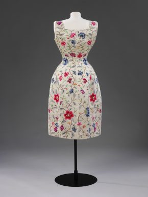 T.27-1974 Evening Dress by Balenciaga © V&A Collection