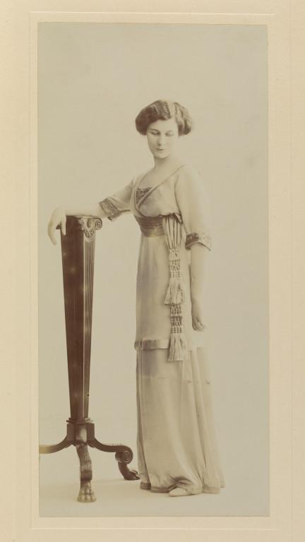 Heather Firbank (1888–1954) © Victoria and Albert Museum, London