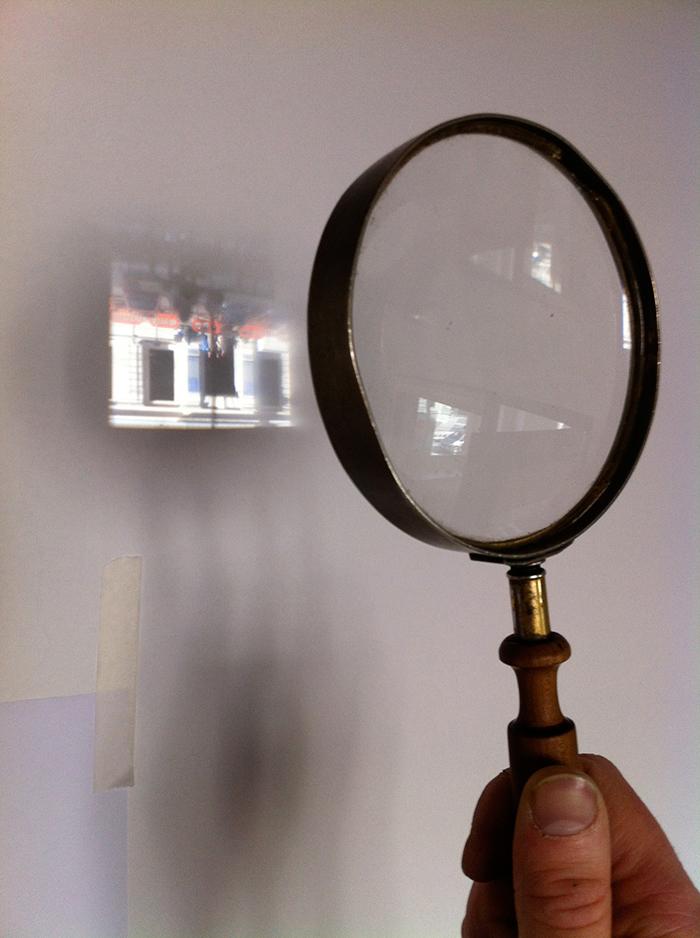 Prints & Drawings Studyroom magnifying glass