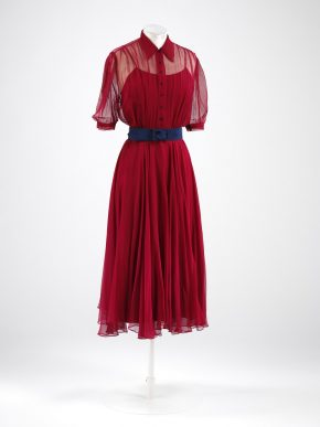 Red wedding dress worn by Monica Maurice, 1938.  © V&A Collection