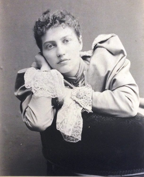Enthoven as a young woman.