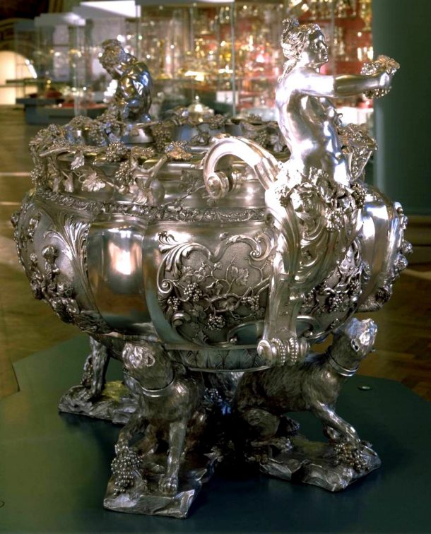 Electrotype wine cistern, copied from the original in The Hermitage, St. Petersburg The original is silver, English, 1735, by Charles Frederick Kandler. The Museum paid Elkingtons £ 400 for the electrotype in 1884. (Repro.1884-122)