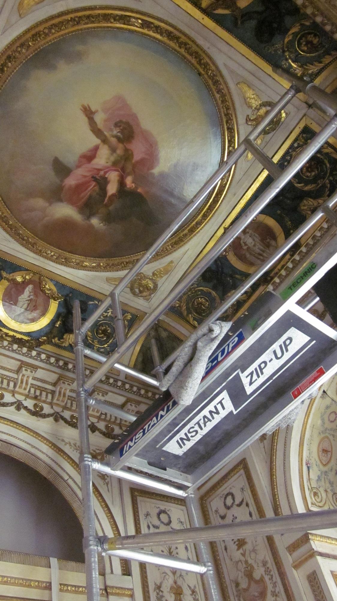Ceiling of the Sérilly cabinet, during construction, with painting of Jupiter