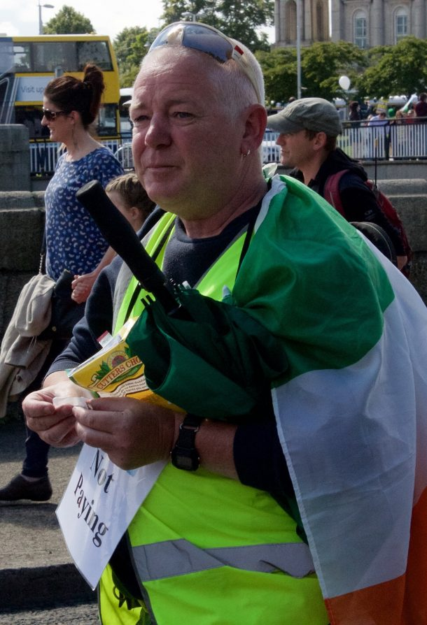 Derek O Shea from Galway; a man well equipped for a protest. Dublin 29 August 2015. (Photo; Eimer Murphy)