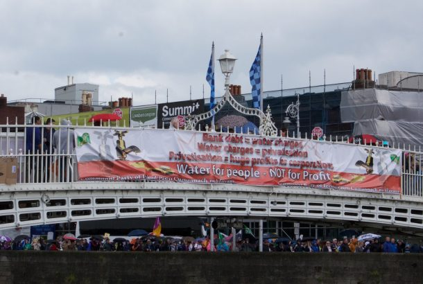 The Ha'Penny Bridge, Dublin, banner wrapped for the water protest, 29 August 2015 (Photo; Eimer Murphy)