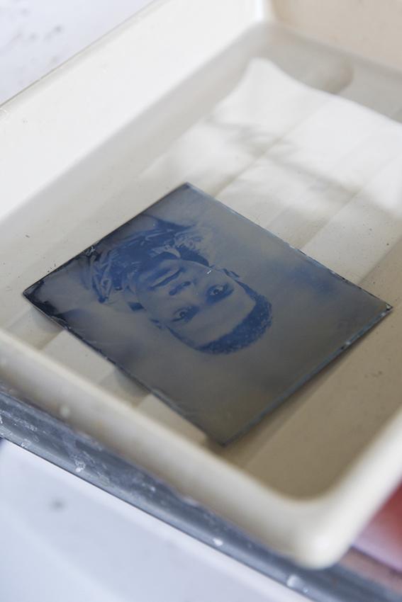 pop up collodion darkroom (7)