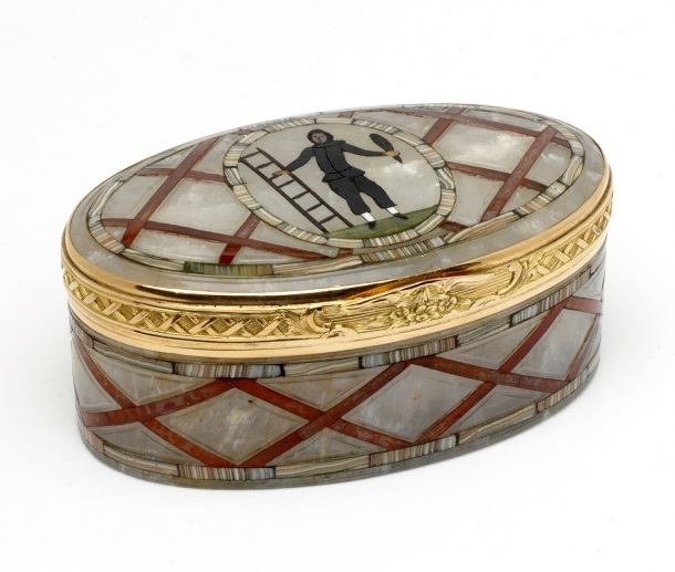 Snuffbox, gold with mounted hardstones, probably Dresden, ca.1765 l. 8.9cm, w. 7cm, h. 4.6cm