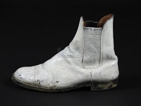 ©Propstore Live Auctions A single Stormtrooper boot from the 1977 film Star Wars: A New Hope was auctioned in 2014 by Propstore Live Auctions