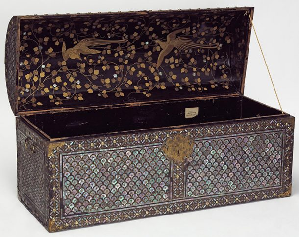 Coffer, late 16th century - early 17th century, Japan. Museum no. FE.33-1983, Purchased with the assistance of the Garner Fund, © Victoria & Albert Museum, London