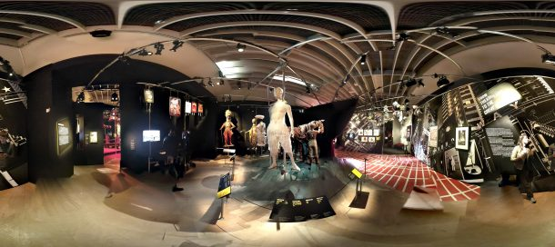 360 degree view of Curtain Up: Celebrating 40 Years of Theatre in London and New York © Victoria and Albert Museum, London
