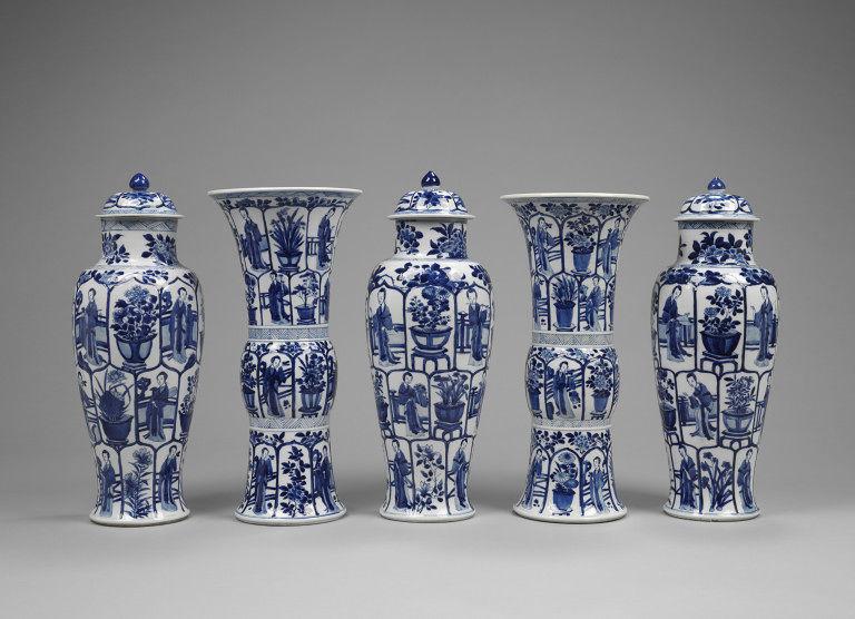 Five-piece garniture, porcelain, Jingdezhen, China, circa 1695,