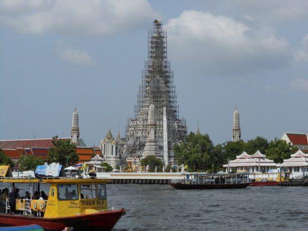 Fig. 6 Wat Arun, Bangkok © Sau Fong Chan
