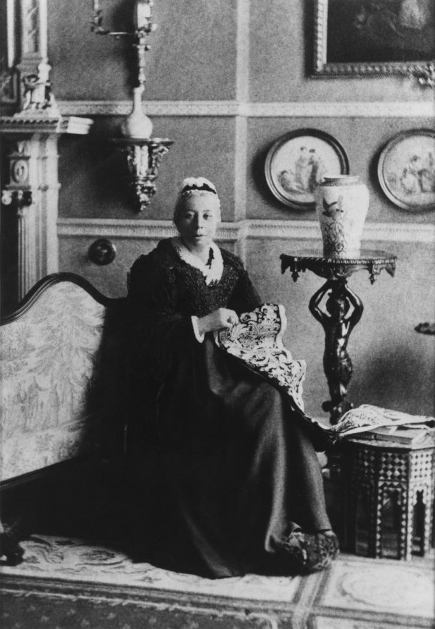 Photographic portrait of Lady Charlotte Schreiber