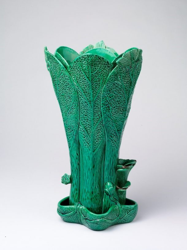 Flower vase of earthenware