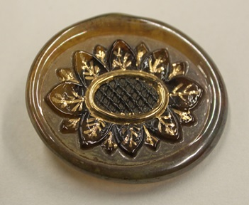 Orplid Glassworks, Glass button, ca. 1940-1945, C.340-2017.