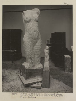 Front view, with model in the foreground, 1927.