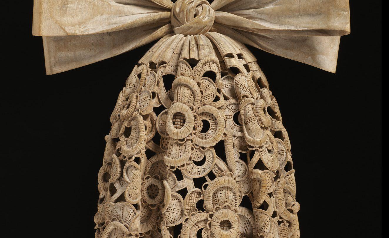 Carved limewood cravat