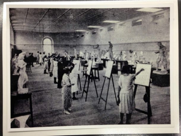 """A well-lighted room reconstructed from an old building accommodates students in advanced drawing….. The 'antique' class is shown at work."" (The Sydney Mail 8 March 1922)"