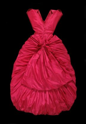 Silk taffeta evening dress, Balenciaga. © Victoria and Albert Museum
