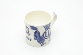 "Queens ware mug, commemorate the wedding of Lady Ursula Grosvenor, designed by Susannah Margaretta ""Daisy"" Makeig Jones, 1924 © Wedgwood Museum"