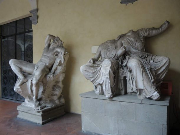 Figure 10.Casts of the Fauno Barberini (Glyptothek, Munich) and of the left of a group of Goddesses from the Eastern fronton of the Parthenon (London, British Museum). Florence, Cloister of the Accademia di Belle Arti. Photo by Domenico Viggiano, 2017.