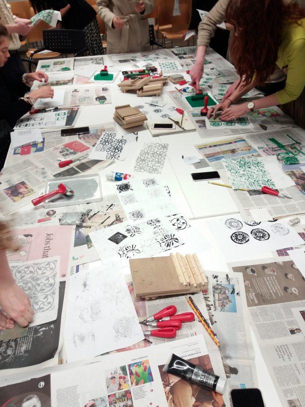 Printing linocuts