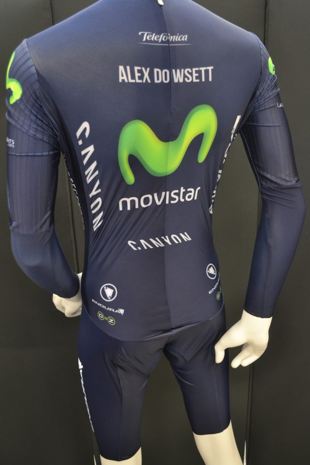Figure 1. Distortion to the shape of the skinsuit on an upright fashion mannequin