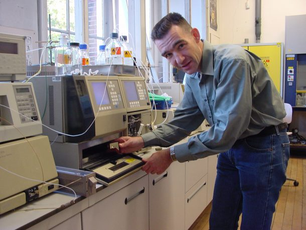 Maarten van Bommel at his equipment