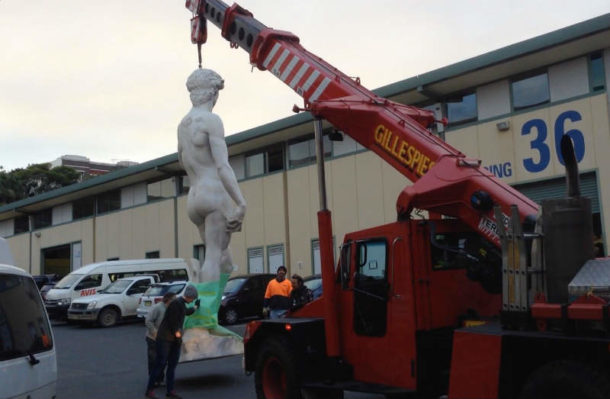 Another image showing David being transported from construction workshop to the stage. Image courtesy of the 20th Century Fox