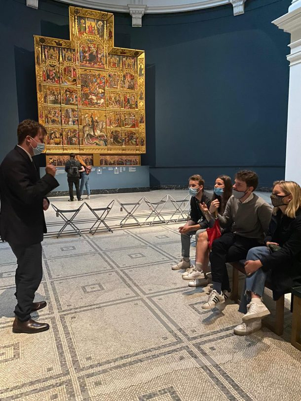A tour guide practising a tour at the V&A