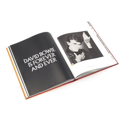 David Bowie is (Deluxe Hardback)