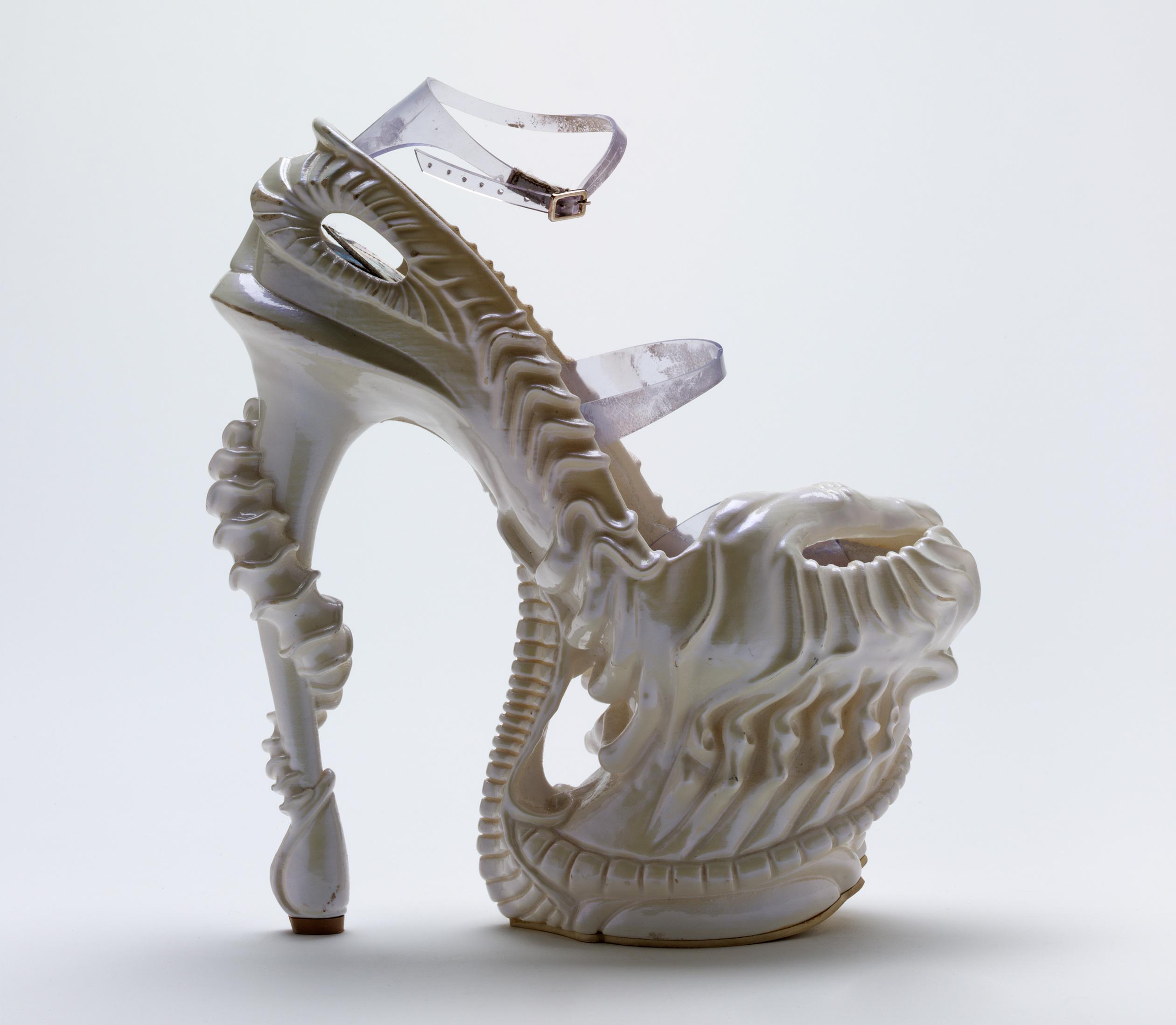 Alien' shoe – The Museum of Savage Beauty