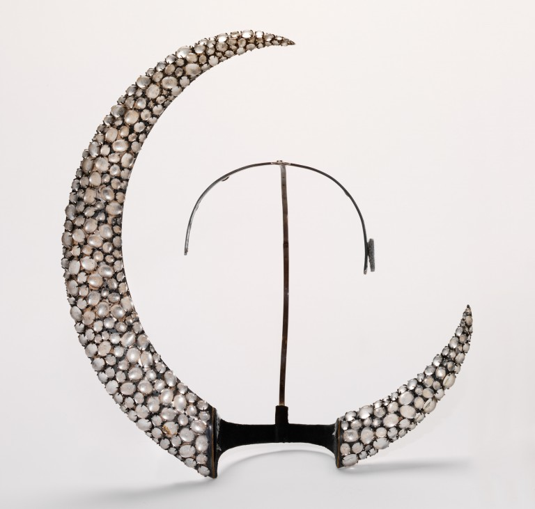 Image of 'Moon' headpiece