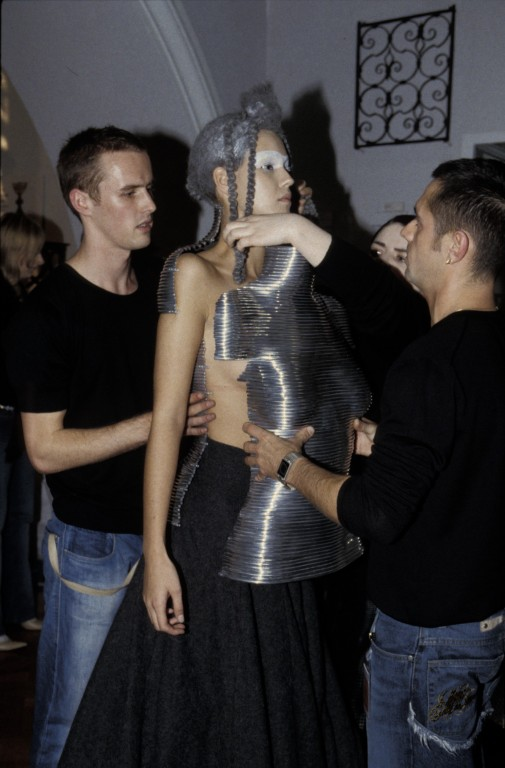 Image of Fashion in Motion Shaun: Leane and Alexander McQueen, October 2001